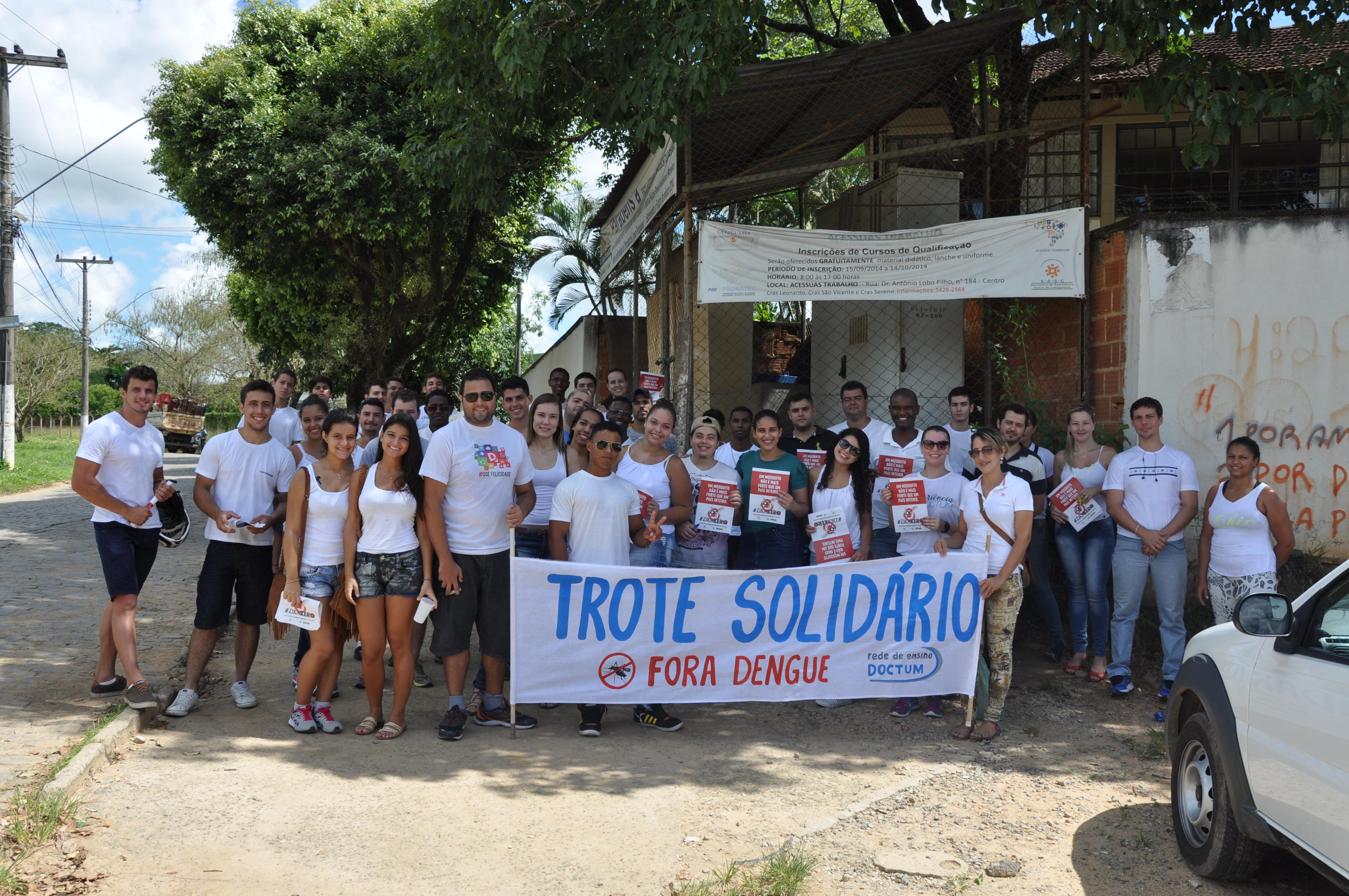Doctum Cataguases participa de passeata em combate ao Aedes aegypti