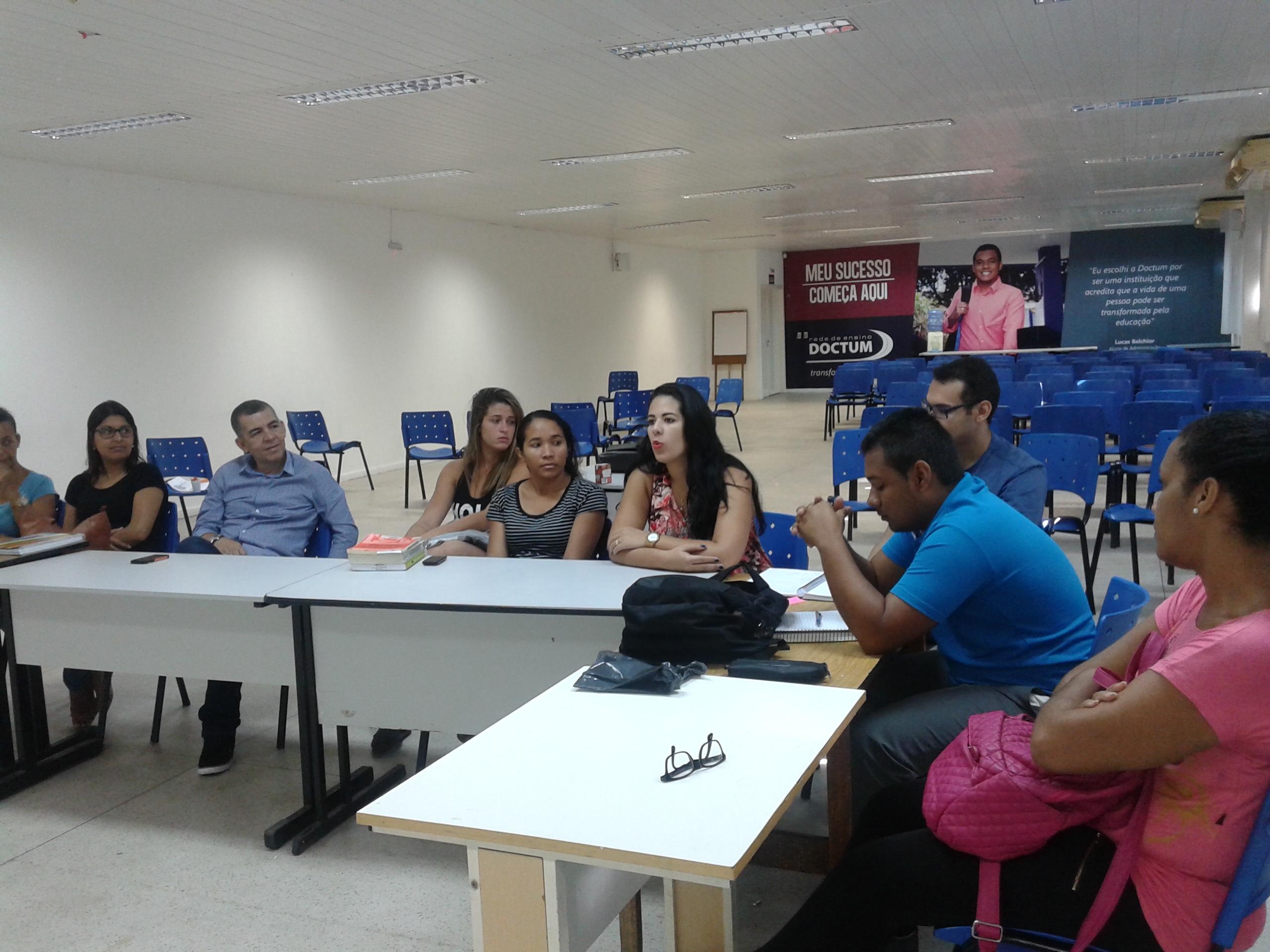 """Alunos de Administração de Vitória participam do debate """"Relacionamento de gerações no local de trabalho"""""""
