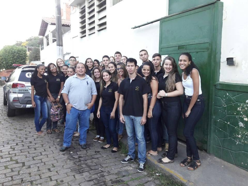 Alunos do curso de Direito Campus Leopoldina, realizam visitas técnicas