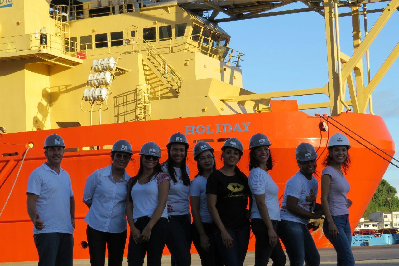 Conhecendo a administração in loco – Alunos de Administração da Doctum Serra fazem visita técnica ao Porto de Vitória