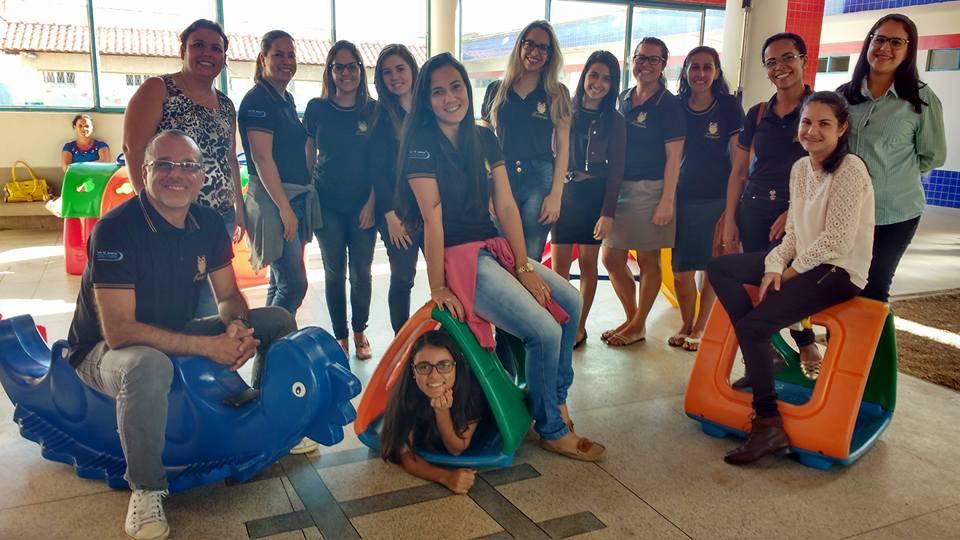 Acadêmicos de Pedagogia visitam Centro de Educação Infantil Helena Vieira de Moraes