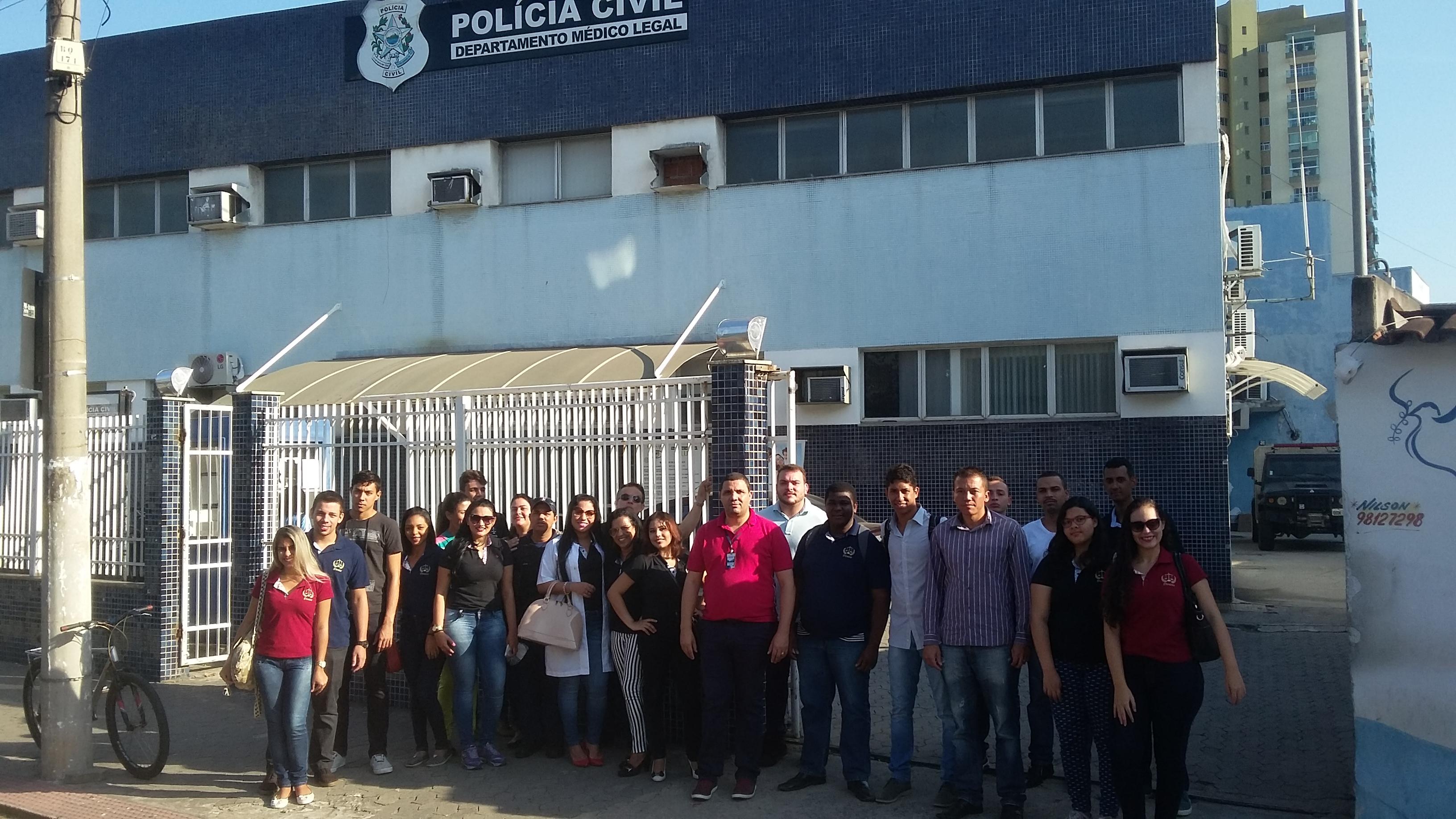 Alunos de Direito da Doctum Vitória fazem visita técnica ao Departamento Médico Legal (DML)