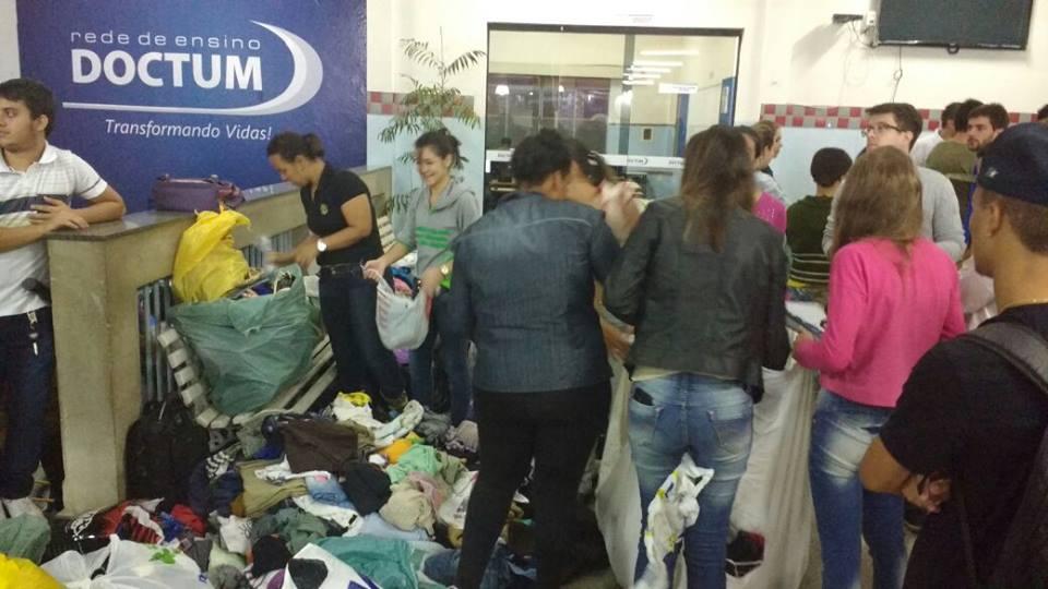 Alunos do curso de Administração, Campus Caratinga, participam de trote solidário