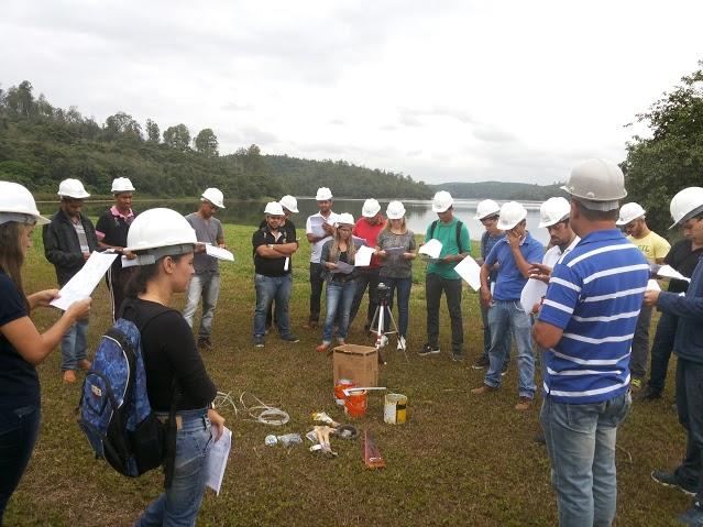 Calouros de Engenharia Civil, campus Caratinga, realizam vista técnica a Lagoa do Piau