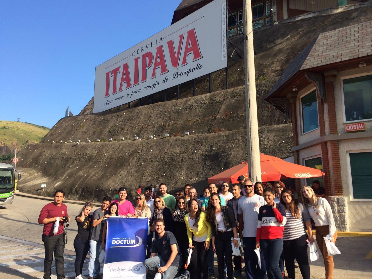 Alunos de Administração das unidades de Vitória e Vila Velha fazem visita técnica à Cervejaria Itaipava