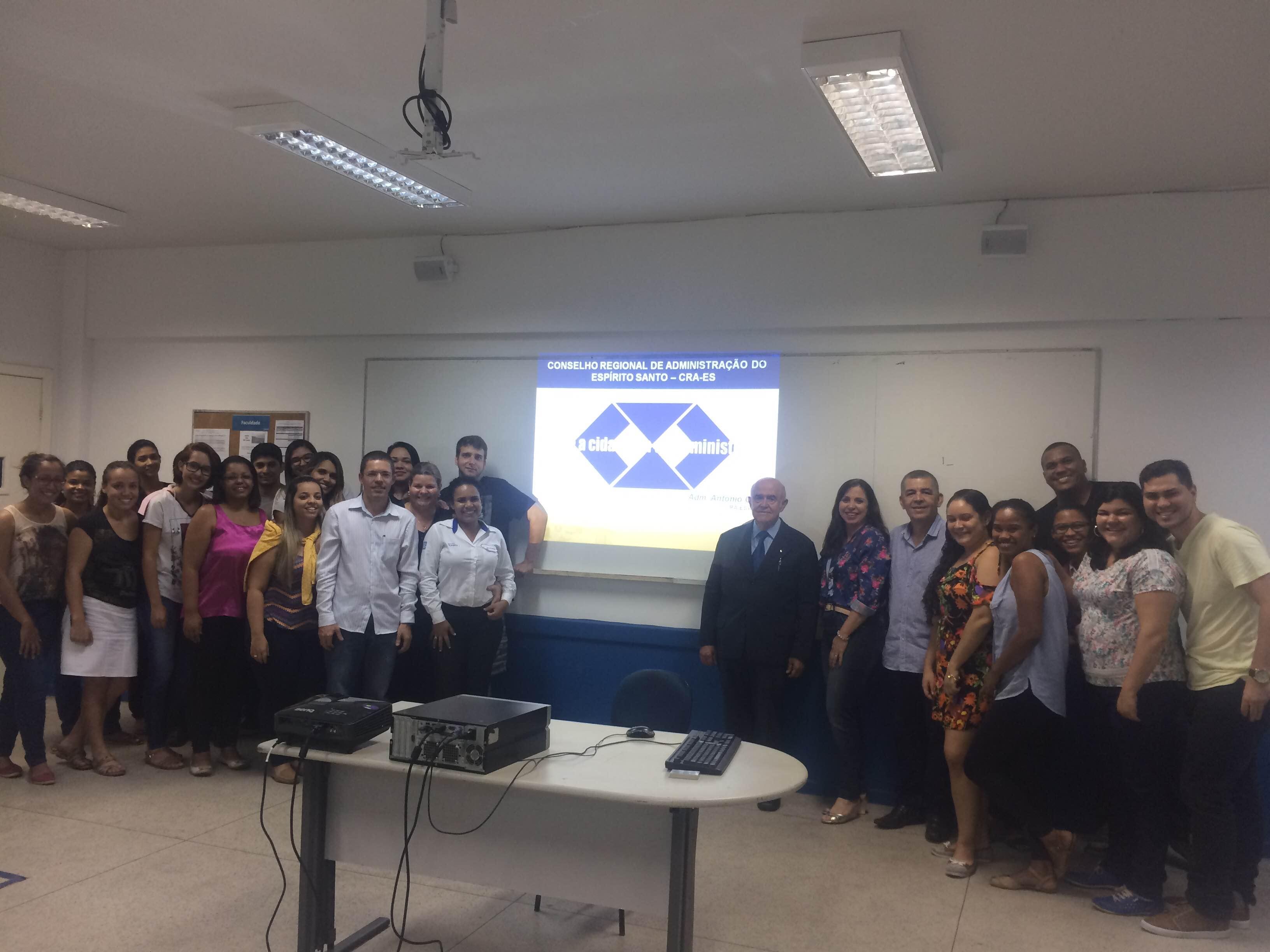 """Alunos de Administração da Doctum Vitória participam da palestra """"Ética e a Cidadania do Administrador"""""""