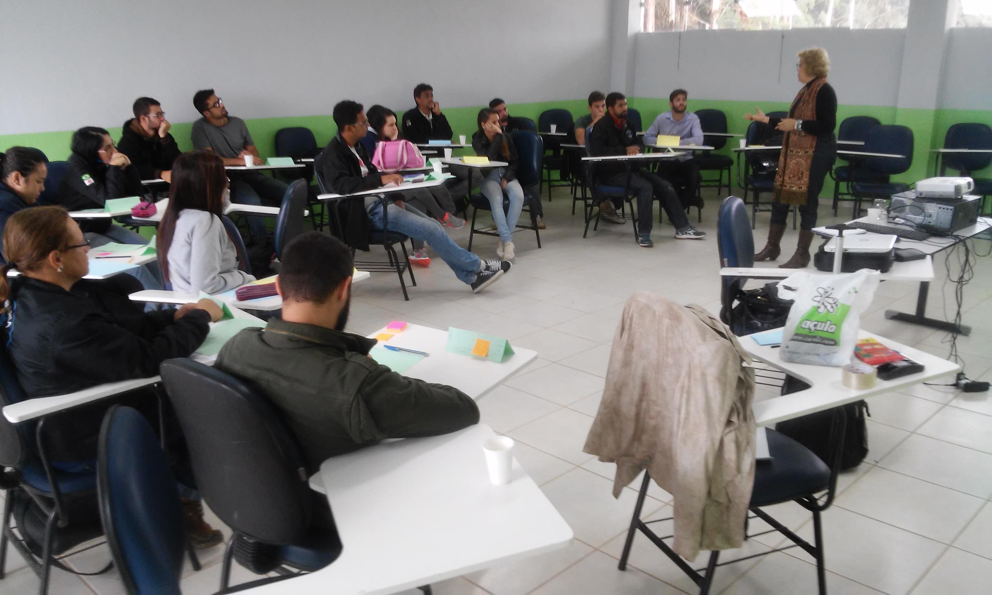 Calouros do Centro de Engenharias participam de oficina de empreendedorismo e gestão de carreira