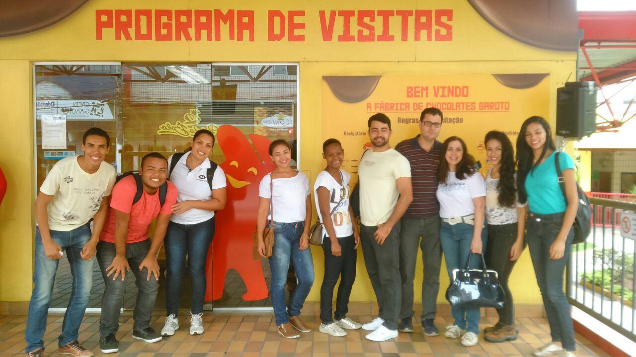 Alunos de Administração da Doctum Vitória fazem visita técnica à fabrica da Garoto