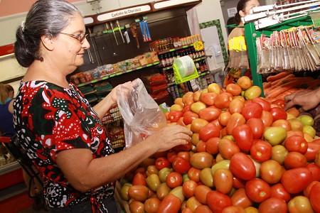 Cesta básica da classe média de Caratinga registrou recuo de 0,11% em abril
