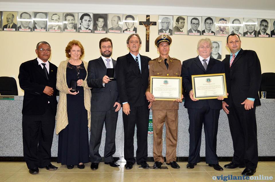 Superintendente Administrativo da Rede Doctum recebe Medalha do Mérito Leopoldinense