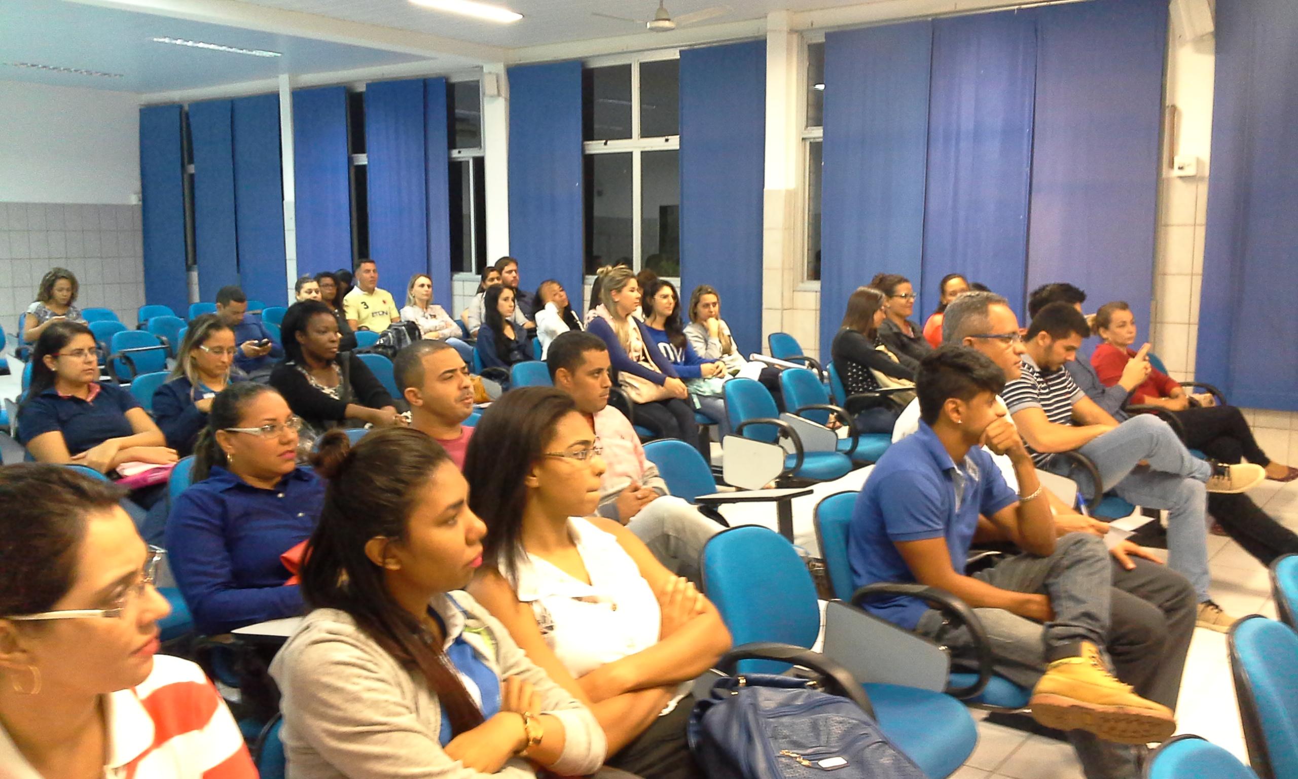 """Alunos da Doctum Vila Velha participam da palestra """"O jovem na Política e o Marketing Político"""""""