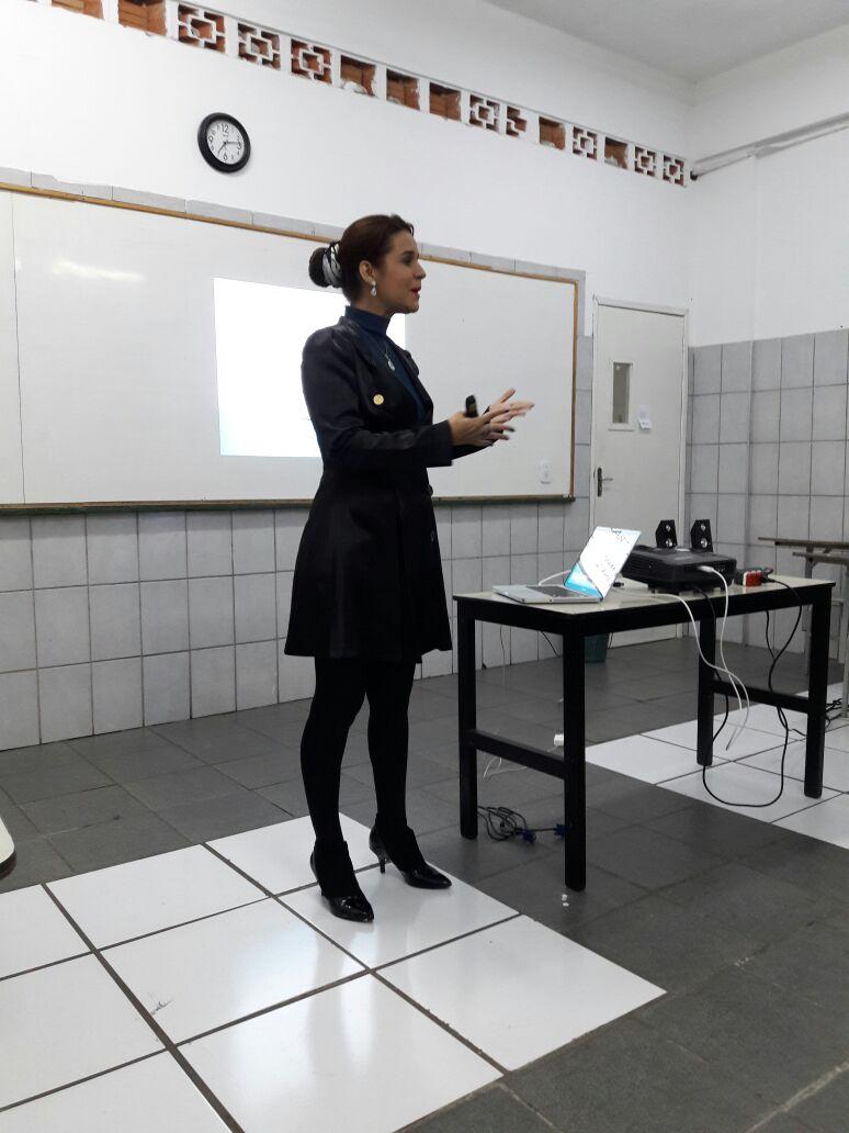 Executiva da Mary Kay no Brasil faz palestra para os alunos de Administração de Vila Velha