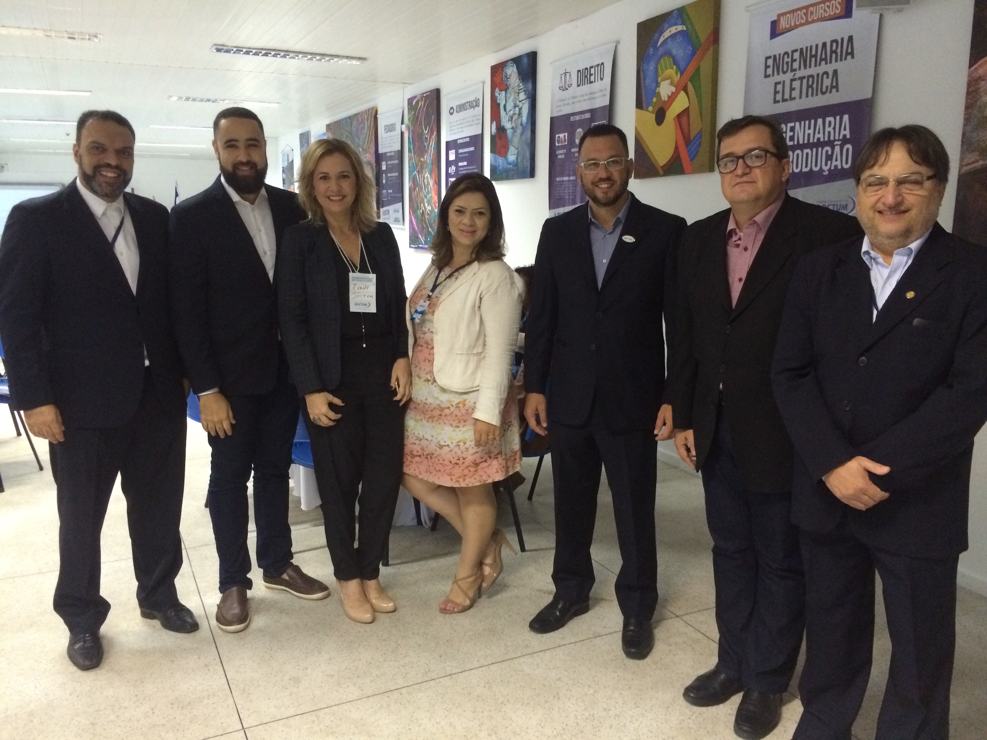 """Doctum Vitória promove Café Empresarial com o tema """"Empreendedorismo em meio à Crise"""""""