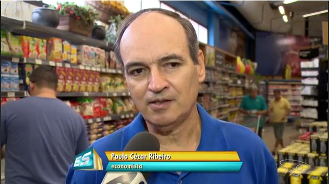 Professor da Doctum Vitória explica como economizar nas compras em reportagem de TV