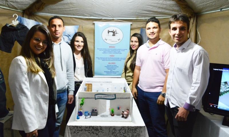 Acadêmicos de Leopoldina participam de 1º Workshop Plano de Negócios