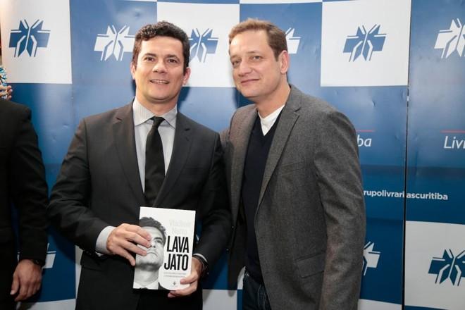 """Caratinga recebe lançamento do livro """"Lava Jato – O juiz Sergio Moro e os bastidores da operação que abalou o Brasil"""""""