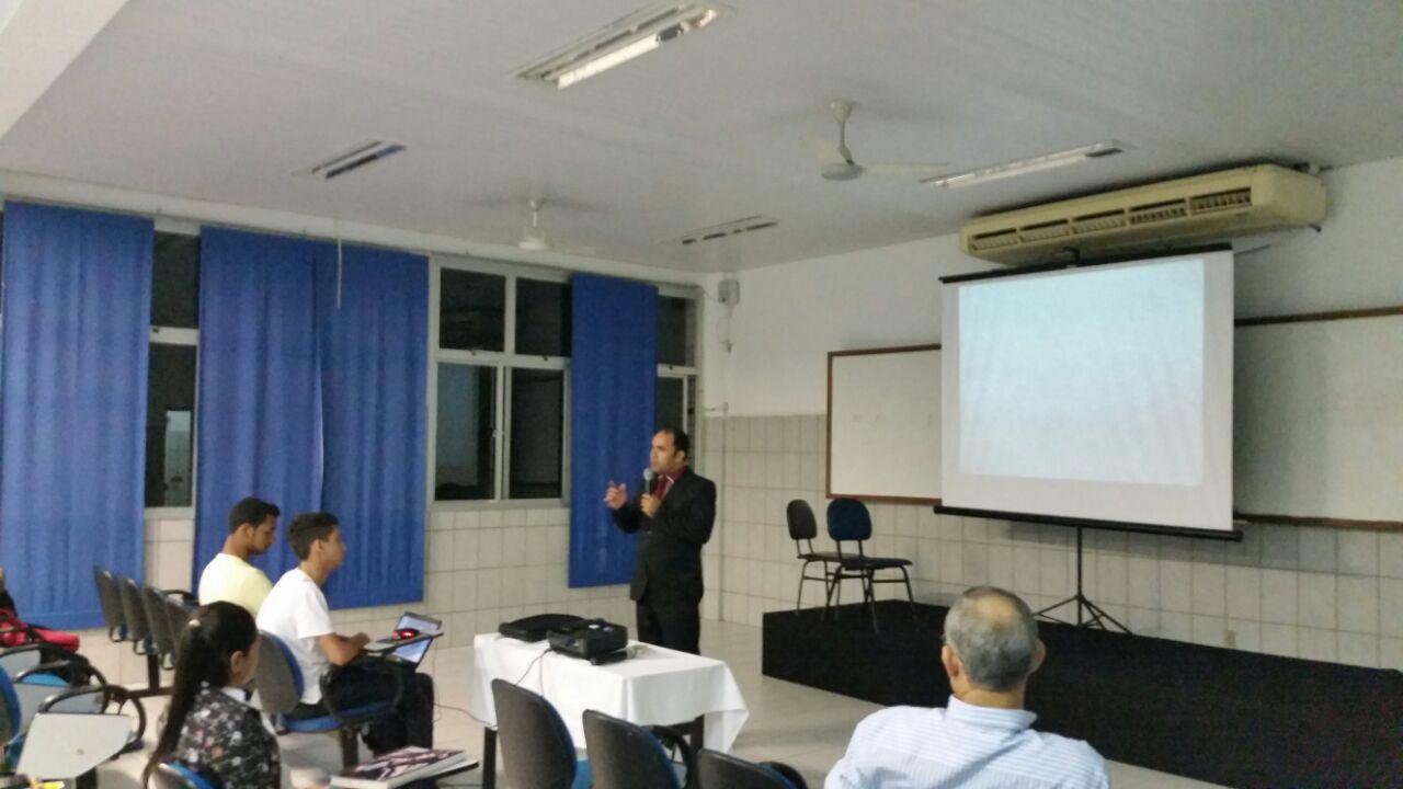 Calouros de Administração da Doctum Vila Velha são recebidos com palestra motivacional