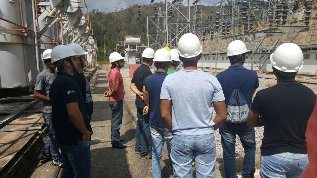 Alunos do curso técnico em Eletrotécnica, Campus Ipatinga, visitam Usina Hidrelétrica Salto Grande