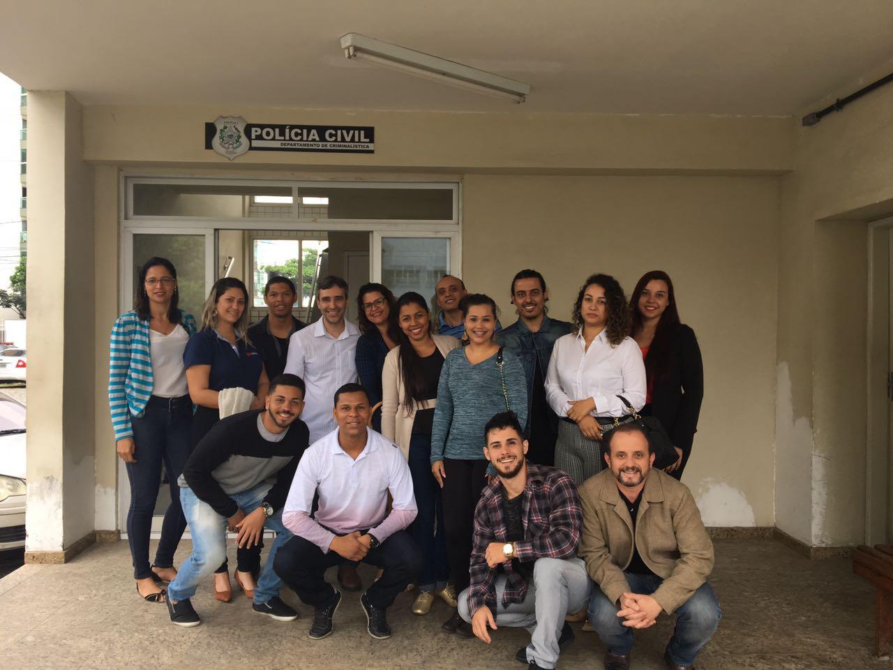 Alunos de Direito de Serra visitam Departamento de Criminalística da Polícia Civil do Espírito Santo