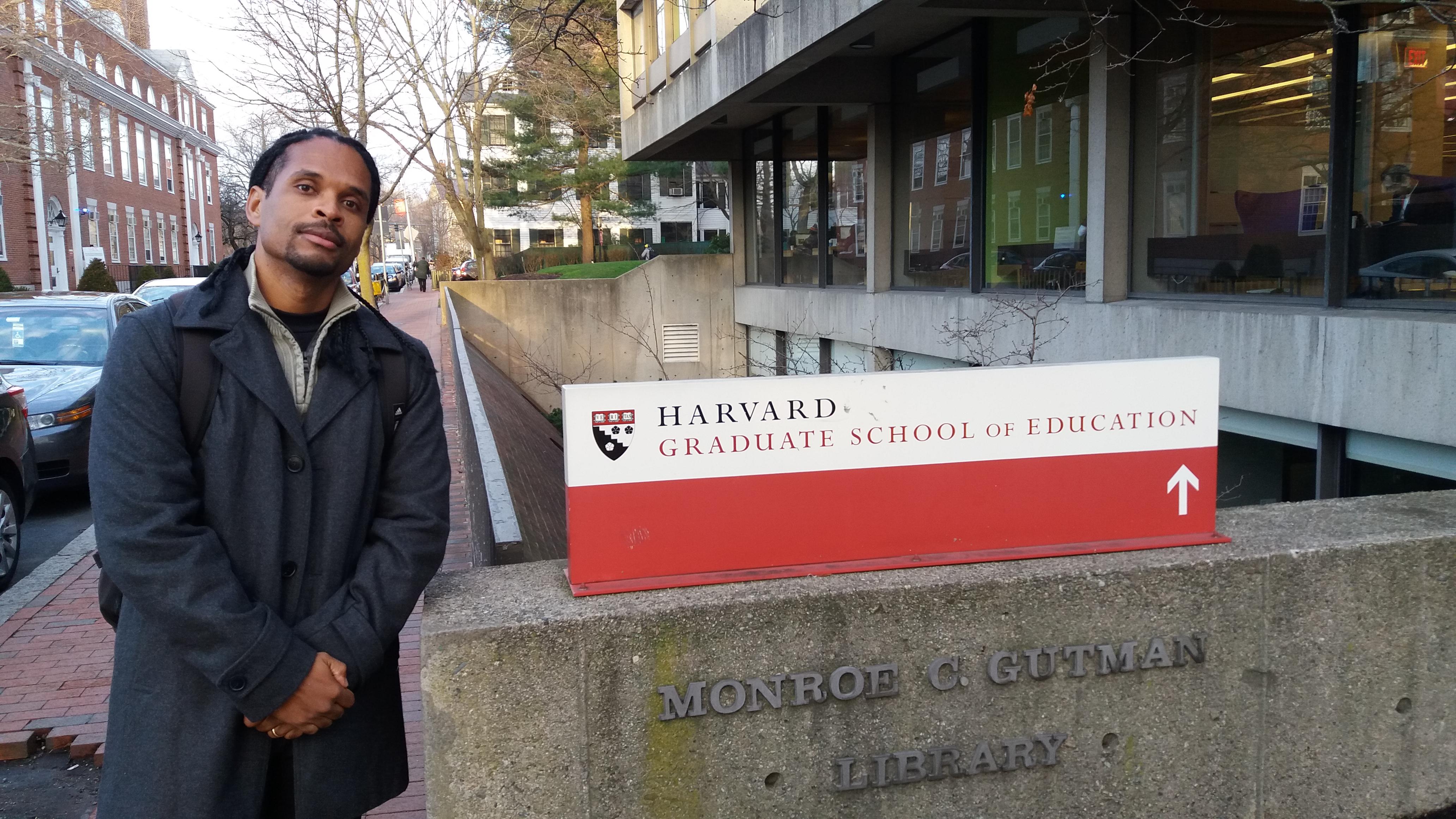 Coordenador da Doctum Serra apresenta trabalho na universidade de Harvard, nos EUA