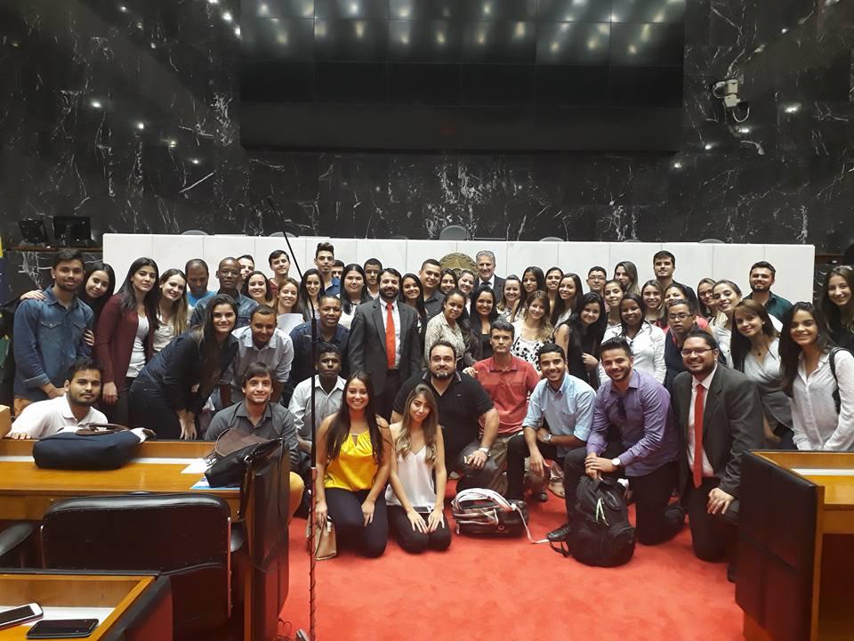 Acadêmicos de Direito visitam o TJMG e a Assembleia Legislativa em Belo Horizonte
