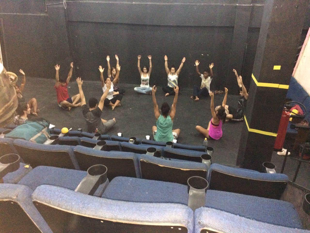 Alunos do curso de Letras, campus Ipatinga, participam de Oficinas de Teatro
