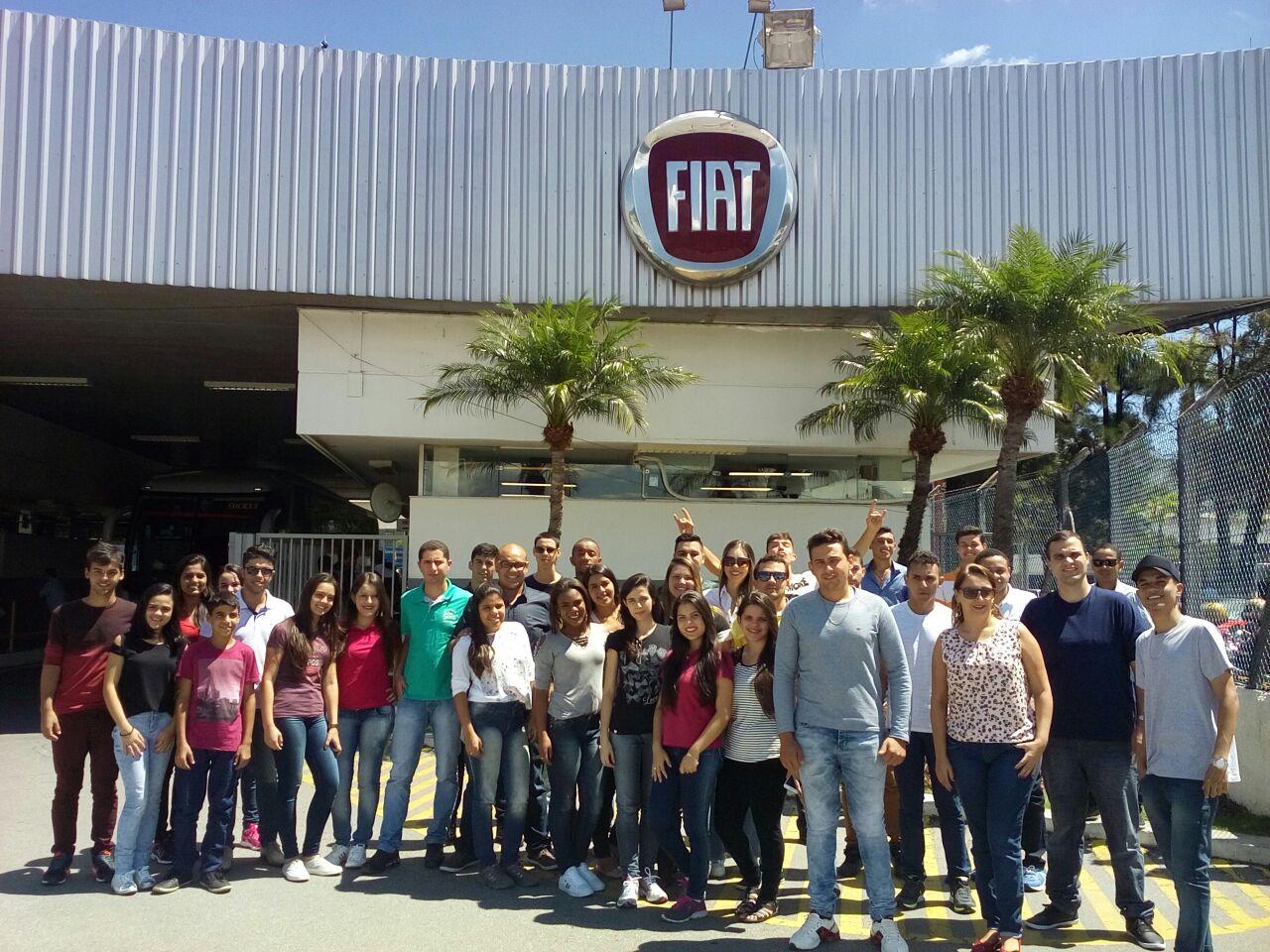 Acadêmicos dos Cursos de Administração e Ciências Contábeis da Doctum visitam a fábricas em Belo Horizonte