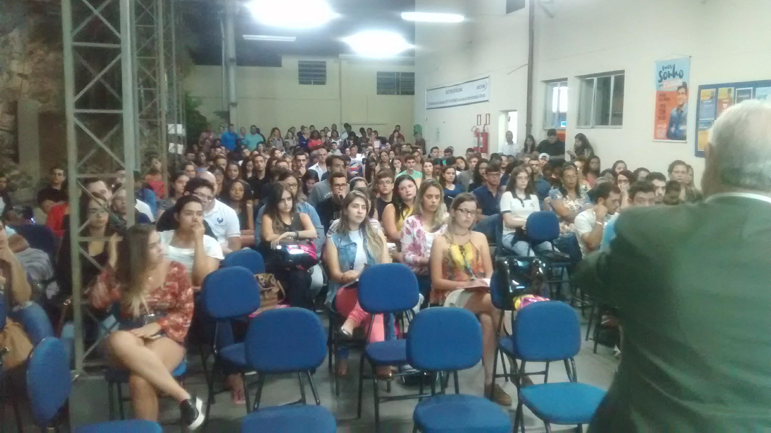 Doctum Leopoldina realiza Aula Inaugural com entrega do Mérito Acadêmico