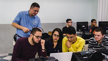 Parceria garante licenças gratuitas de softwares da Microsoft para alunos da Rede Doctum