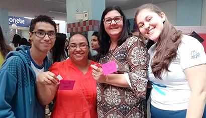 Alunos do Colégio Caratinga da Rede Doctum, organizam um café especial em homenagem a todas as mães