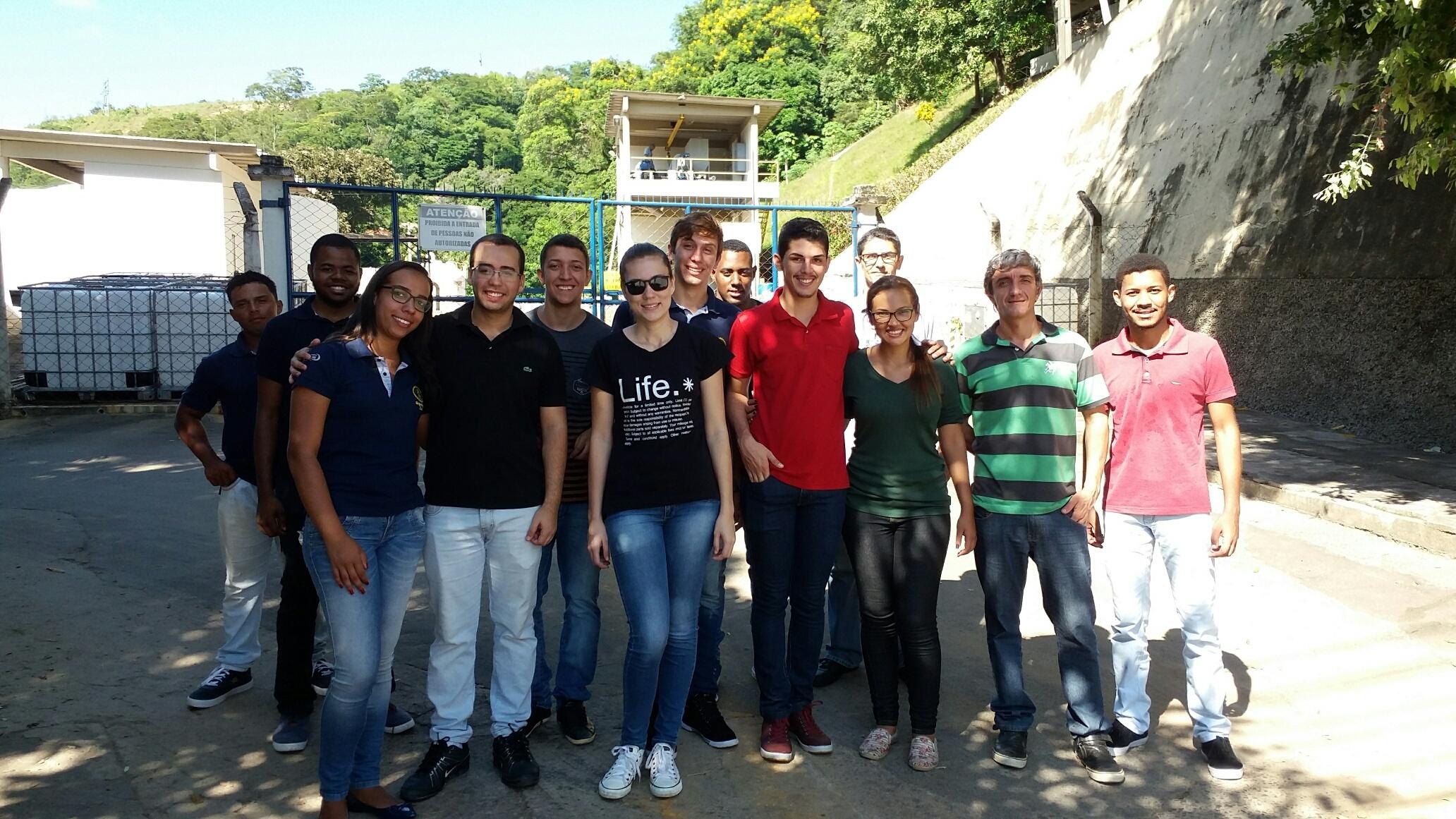 Alunos de Engenharia Civil de Cataguases visitam a Estação de Tratamento da Companhia Industrial da cidade