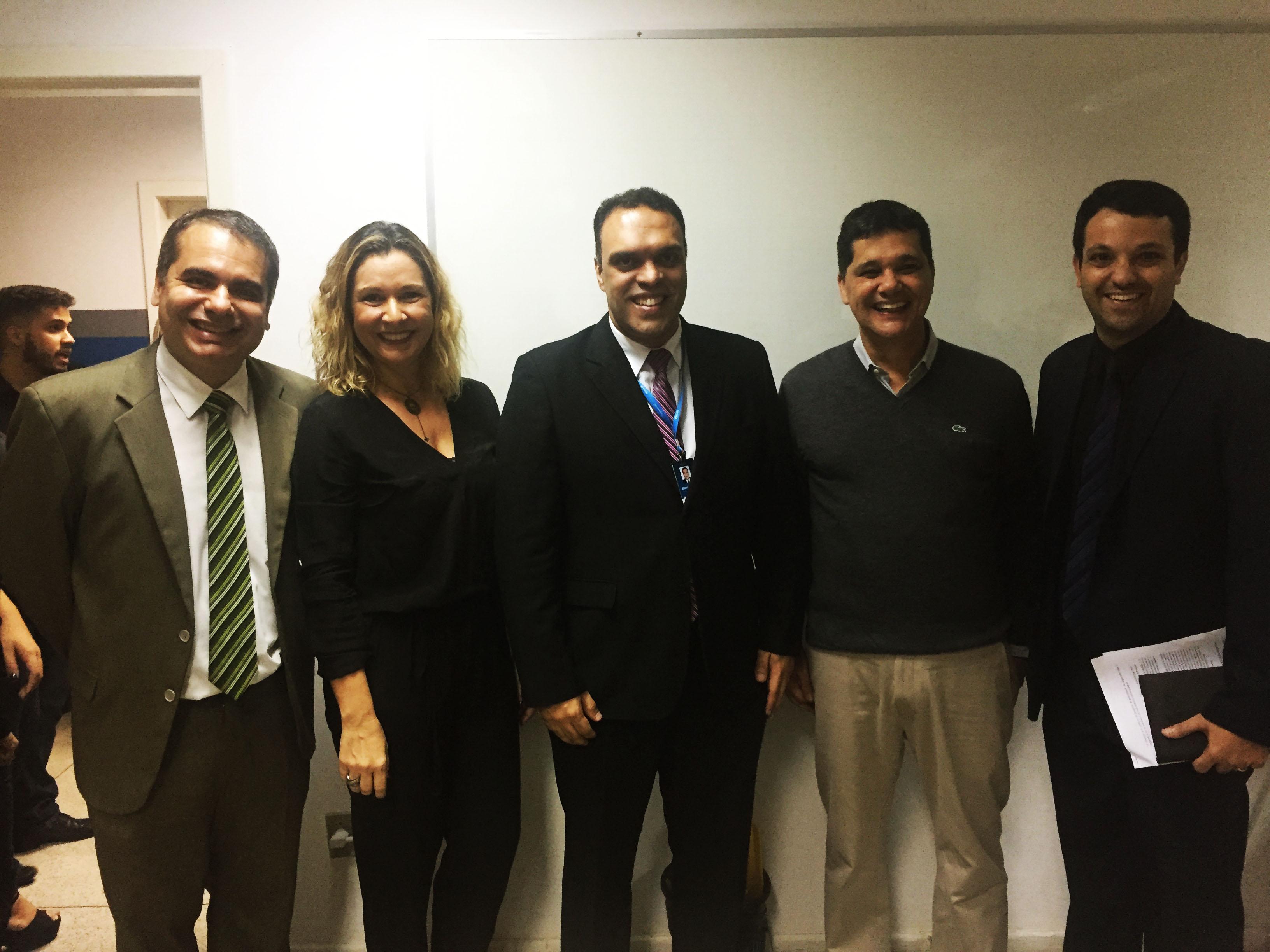 Alunos de Direito da Doctum Vitória participam de palestra com o Senador Ricardo Ferraço