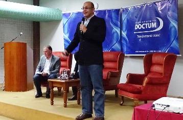 Seminário norteia reflexões sobre o cotidiano do Brasil e do Espírito Santo