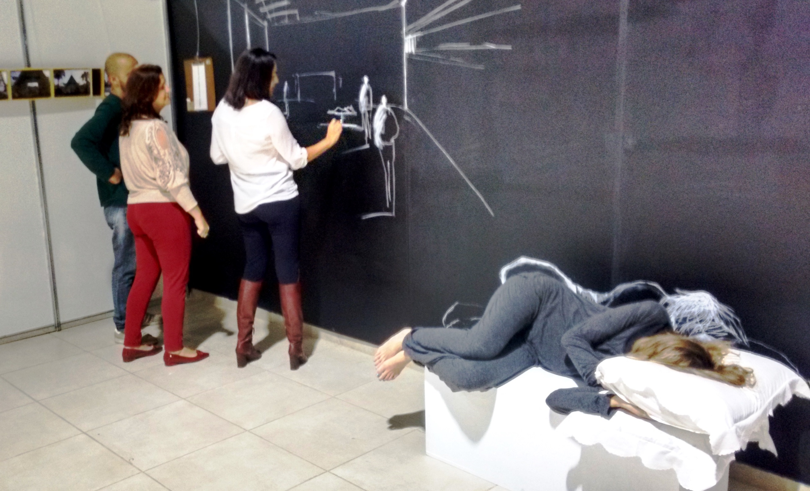 Alunos de Arquitetura e Urbanismo visitam exposição Mapa dos Sonhos em Juiz de Fora