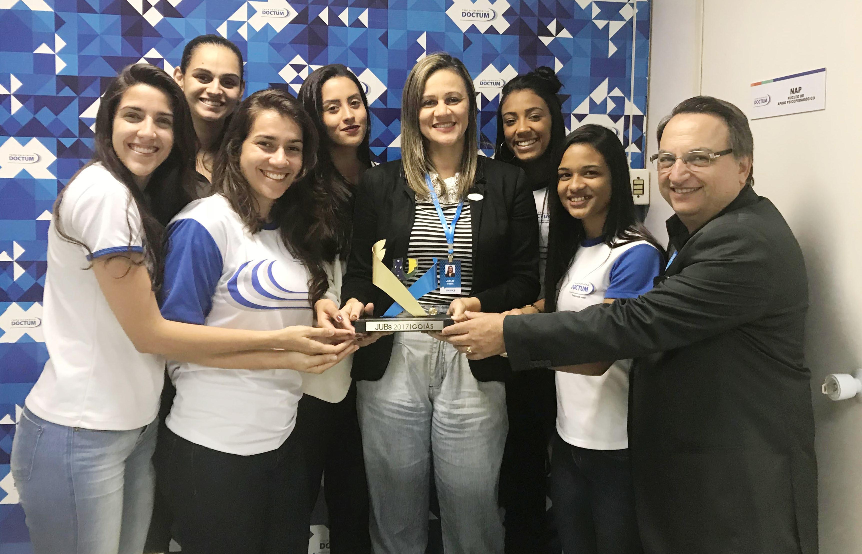 Handebol feminino da Doctum é ouro nos Jogos Universitários