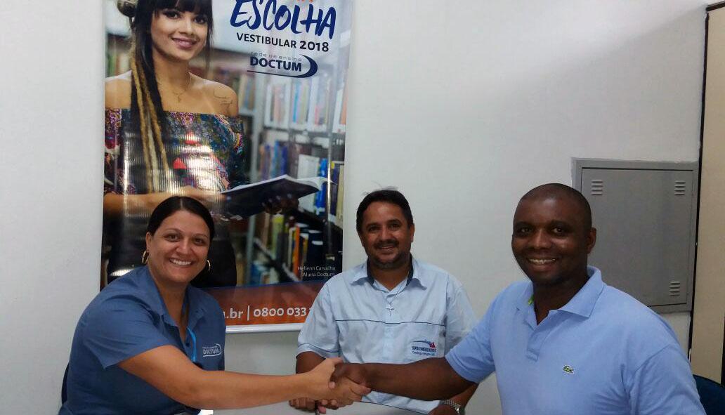 Doctum firma convênios com entidades e Instituições em Caratinga e região