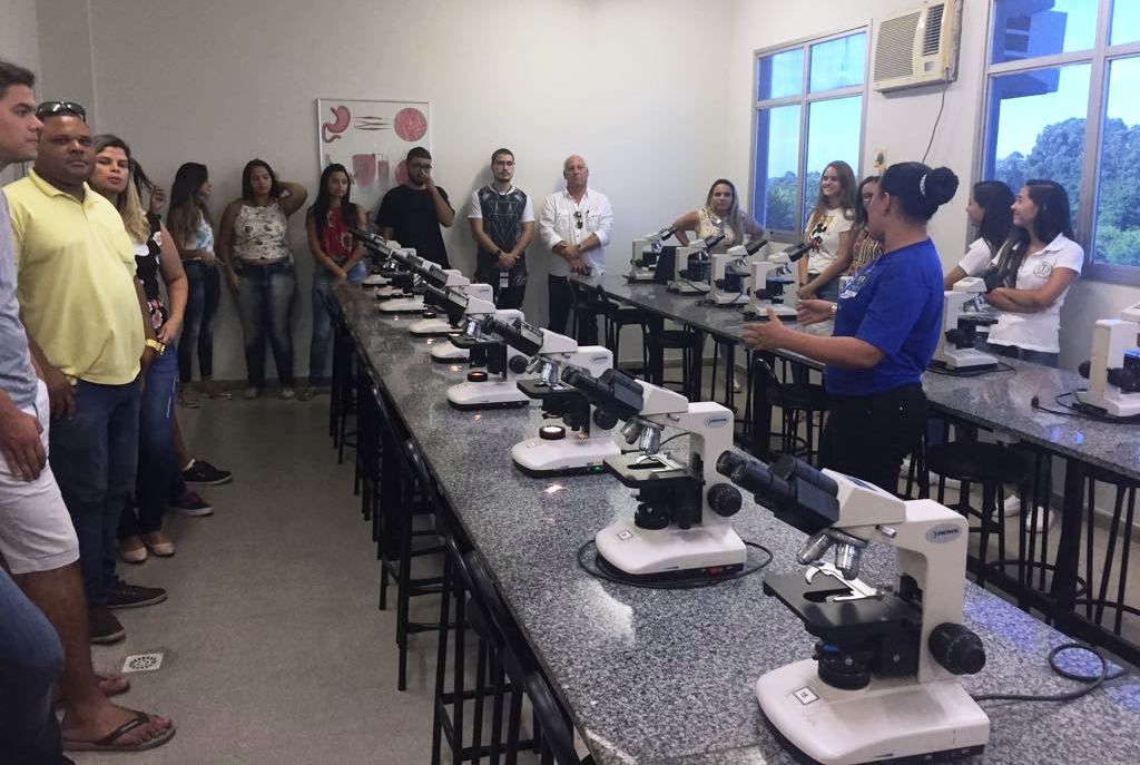Doctum Serra realiza aula inaugural para o curso de Odontologia
