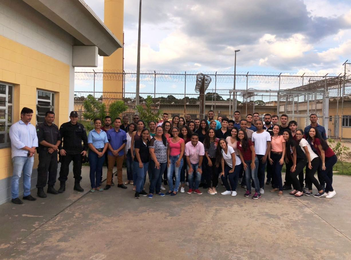 Alunos participam de visita técnica em Penitenciária de Vila Velha