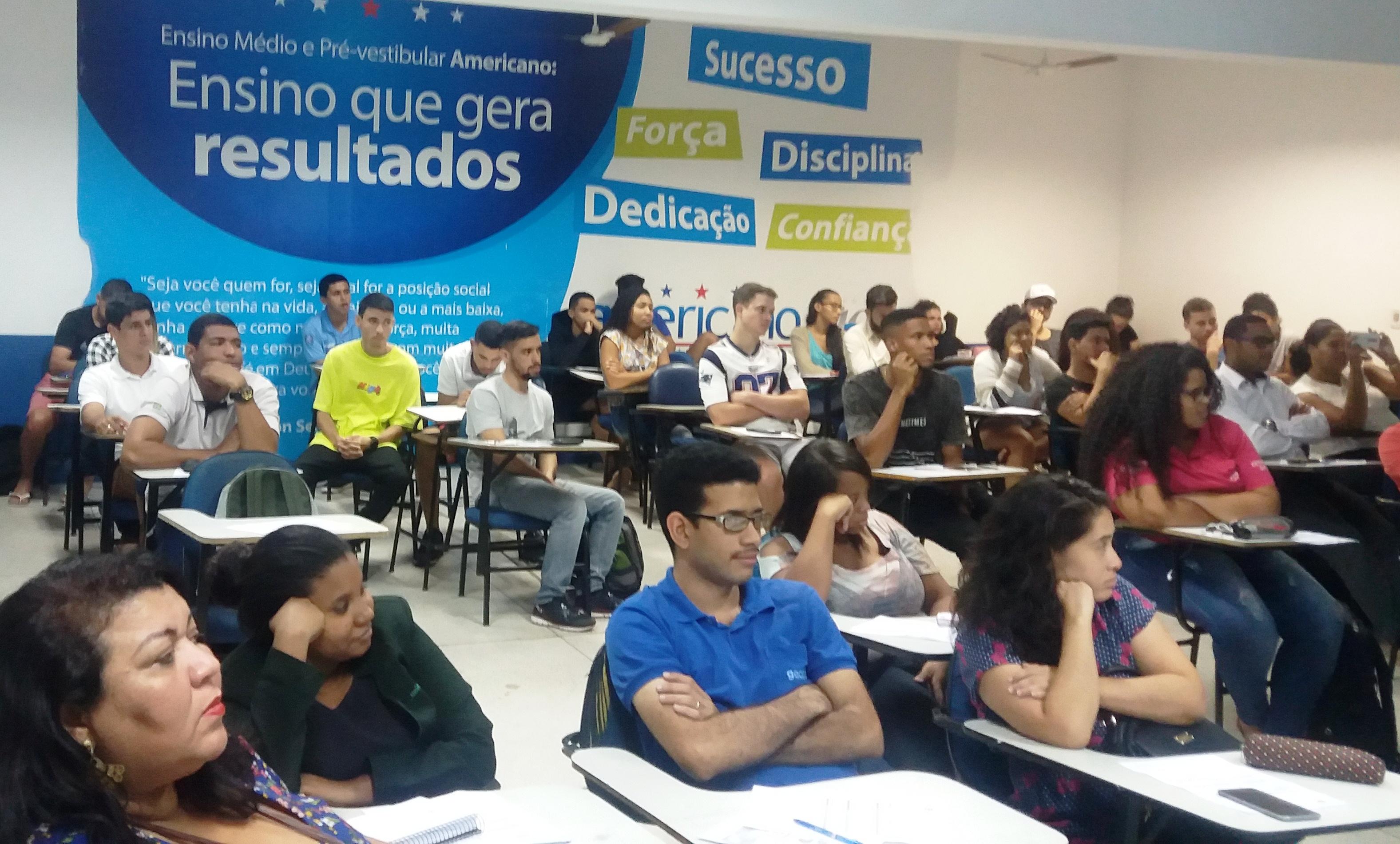 """""""Papel do administrador na sociedade"""" foi tema de palestra para alunos da unidade Vitória"""