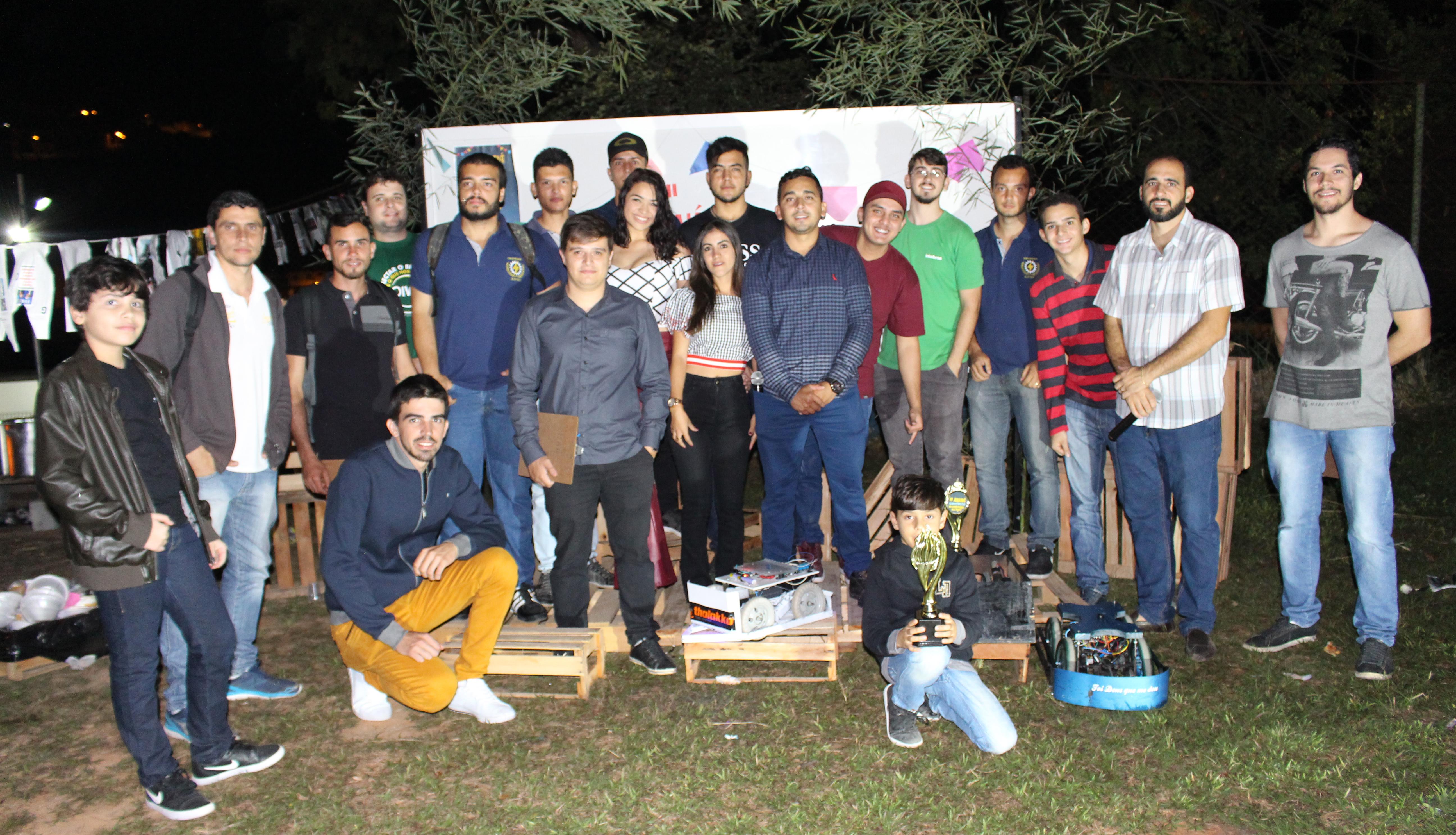 Alunos de Engenharia Elétrica realizam o II Arraiá Científico da Doctum Caratinga