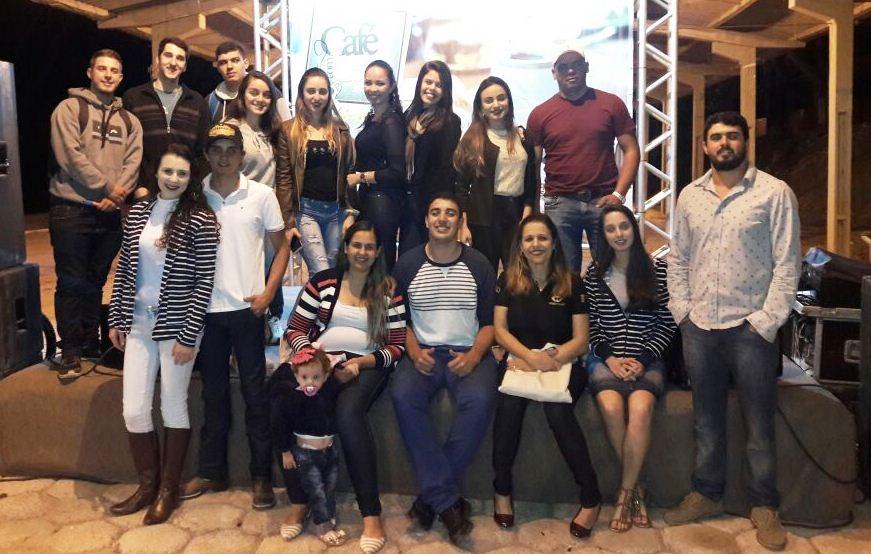Alunos de Administração participam do III Simpósio Café com Leite de Iúna
