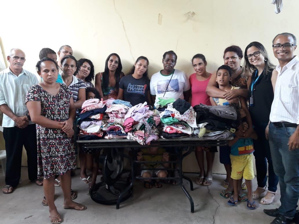 Unidade Vila Velha faz entrega das doações da campanha do agasalho