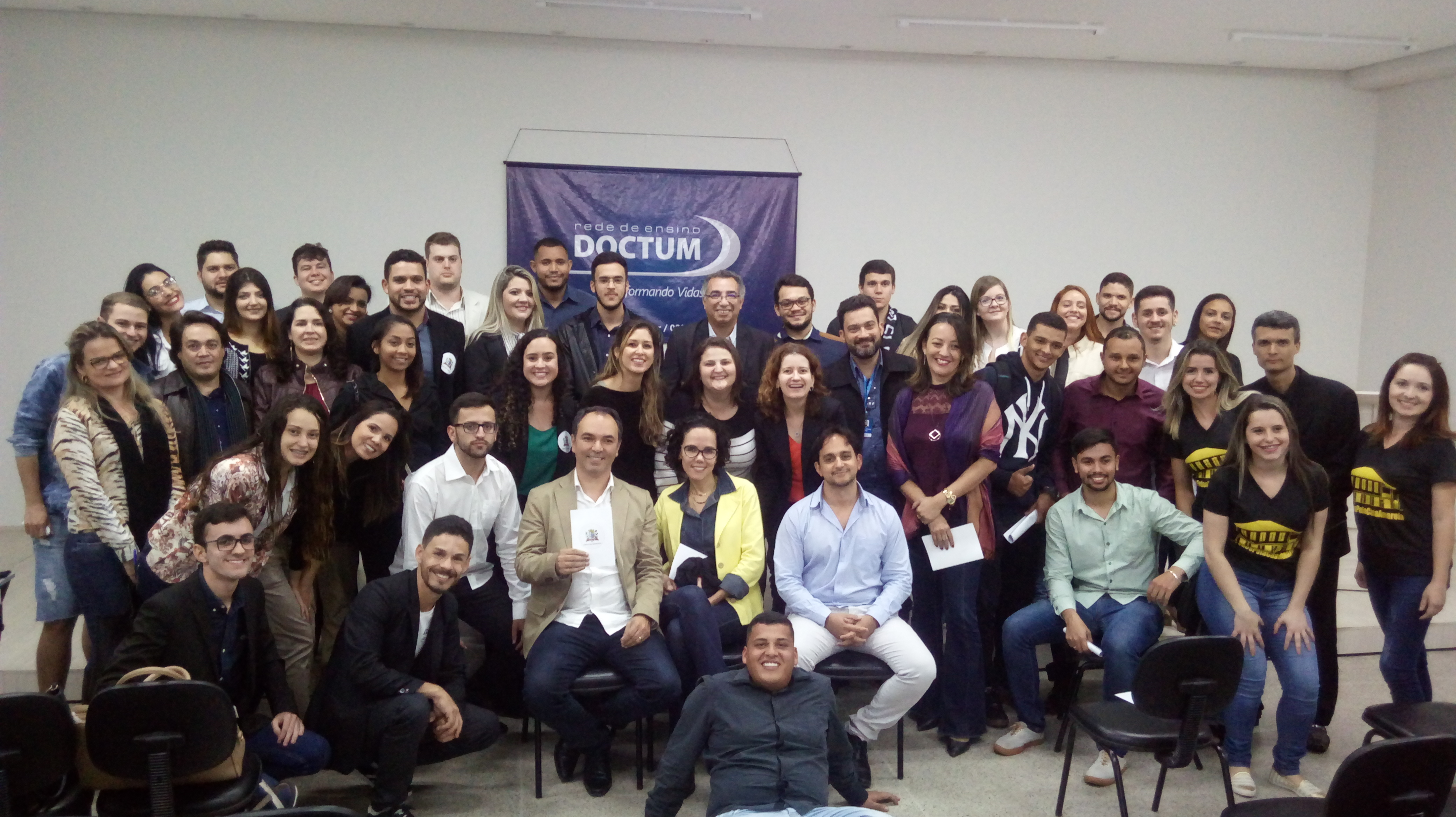 Em Caratinga, Projeto Integrador entre alunos dos cursos de Direito e Arquitetura promovem tombamento de Patrimônio Municipal