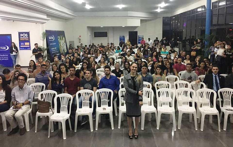 Turma de Direito de Guarapari participa de Semana Jurídica