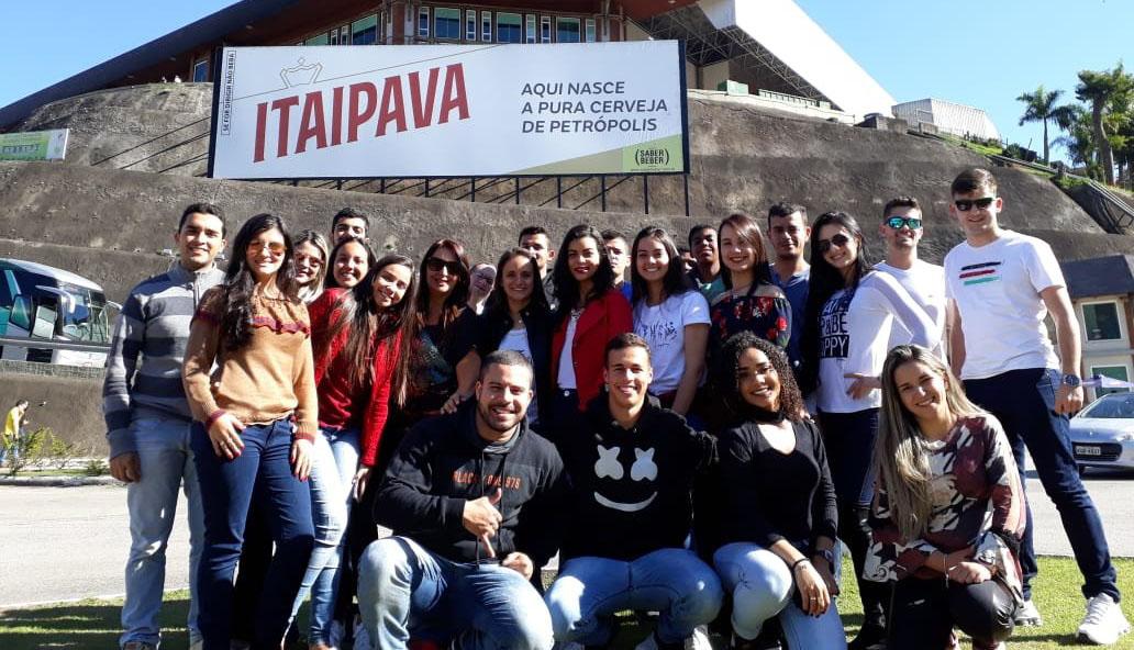 Alunos de Contábeis e Administração de Caratinga fazem visita técnica à Cervejaria Itaipava em Petrópolis – RJ
