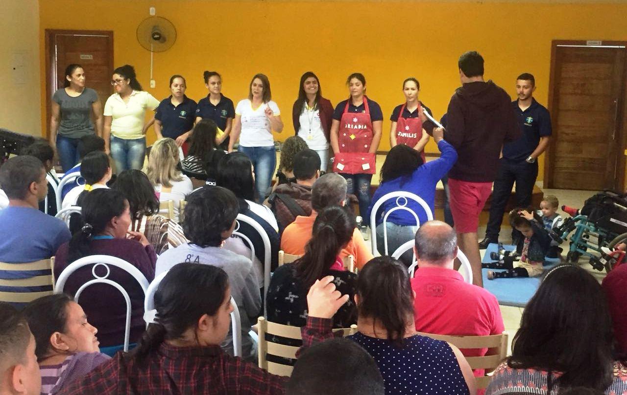 Turma de Pedagogia participa da Semana do Excepcional na APAE de Iúna