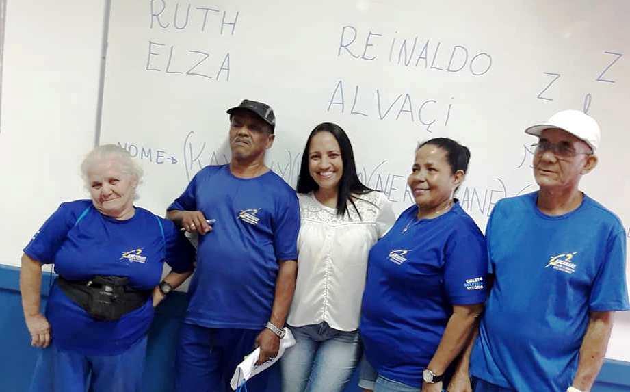 Projeto de Extensão da unidade Vitória auxilia na alfabetização de adultos