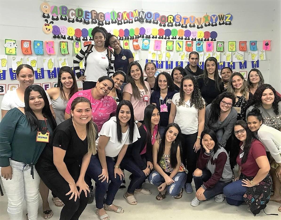 Aula-Oficina de práticas alfabetizadoras agita estudantes de Pedagogia de Serra