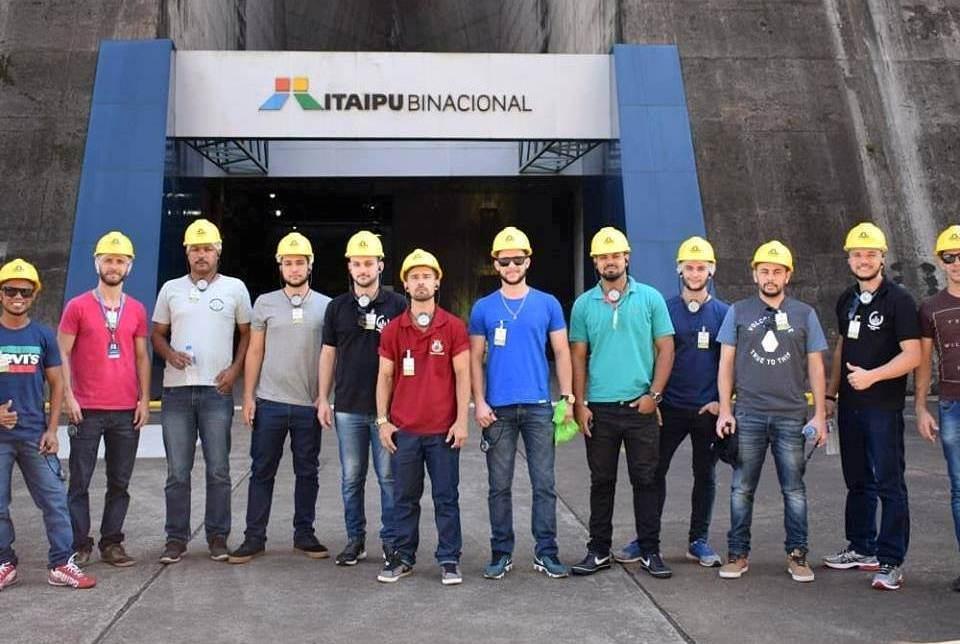 Turmas de Engenharia do Espírito Santo visitam Usina Hidrelétrica de Itaipu