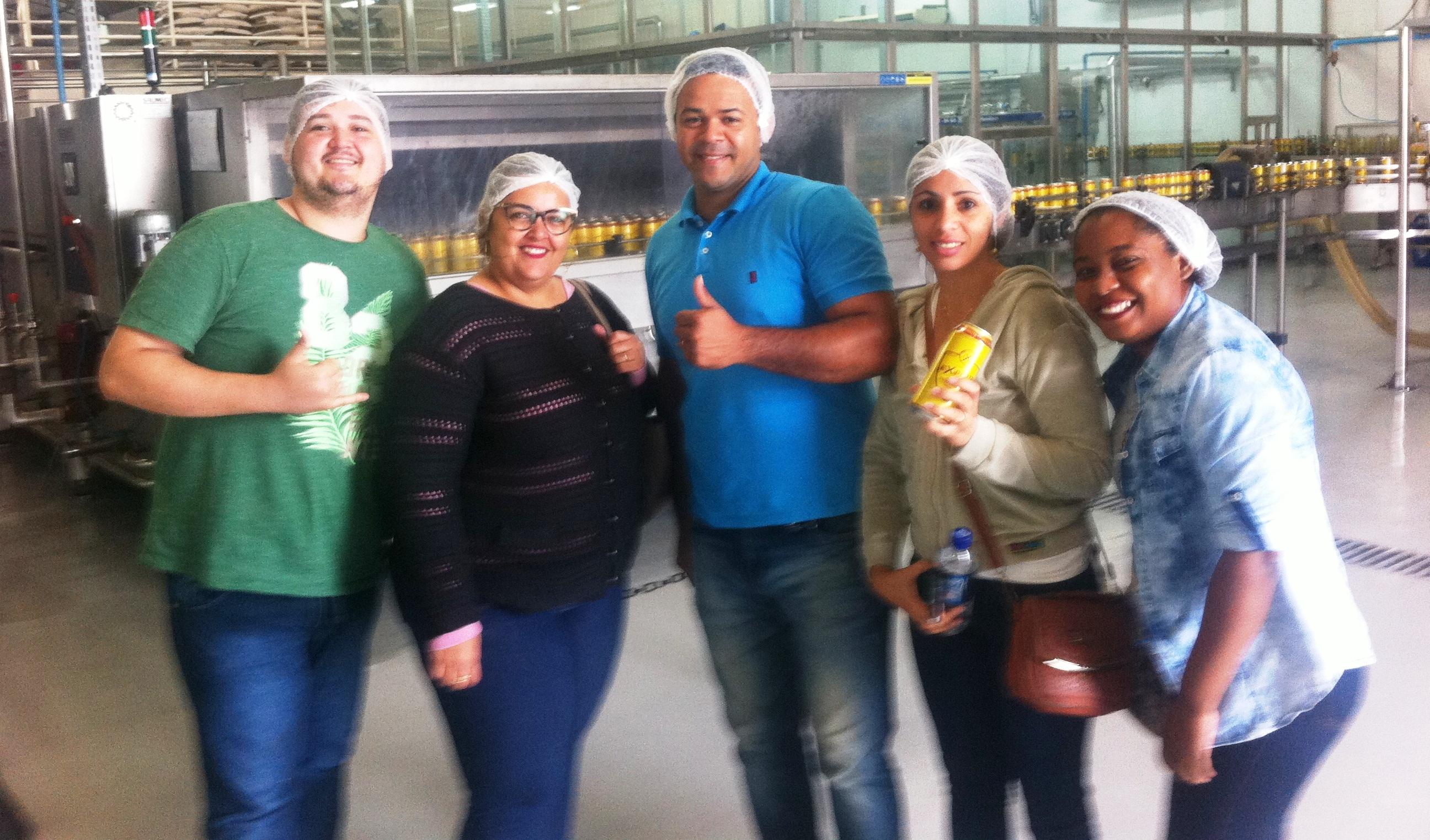Acadêmicos de Administração participam de visita técnica em cervejaria